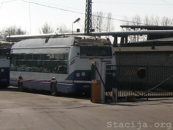 Škoda 24Tr atpūšas Rīgas Pirmajā trolejbusu parkā